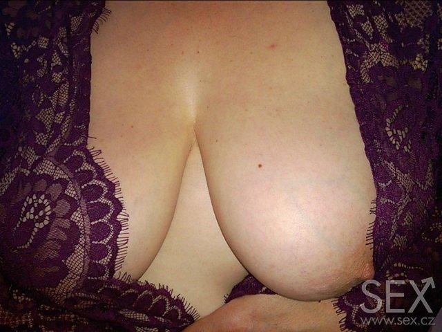 Žena se snaží velký penis
